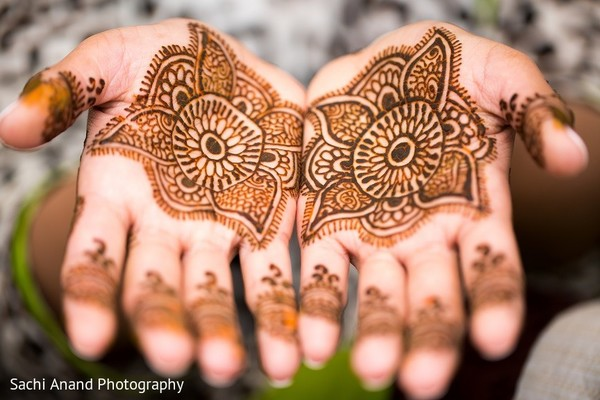 Mehndi in Uniondale, NY Pakistani Wedding by Sachi Anand Photography
