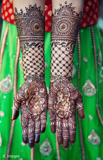 Mehndi hands in Vancouver, BC Sikh Wedding by JC Images