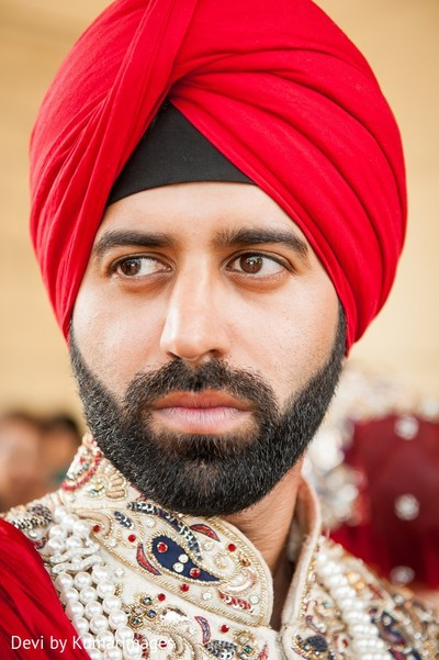 Groom fashion in Ontario, Canada Hindu-Sikh Fusion Wedding by Devi by KumarImages