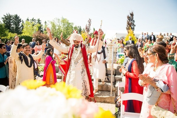 Baraat in Ontario, Canada Hindu-Sikh Fusion Wedding by Devi by KumarImages