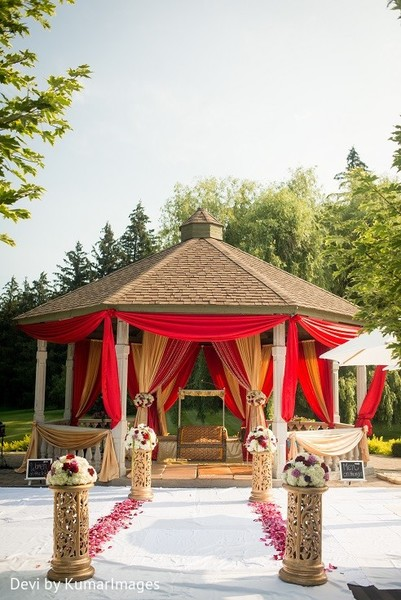 Mandap in Ontario, Canada Hindu-Sikh Fusion Wedding by Devi by KumarImages