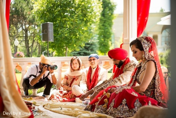 Sikh wedding ceremony in Ontario, Canada Hindu-Sikh Fusion Wedding by Devi by KumarImages