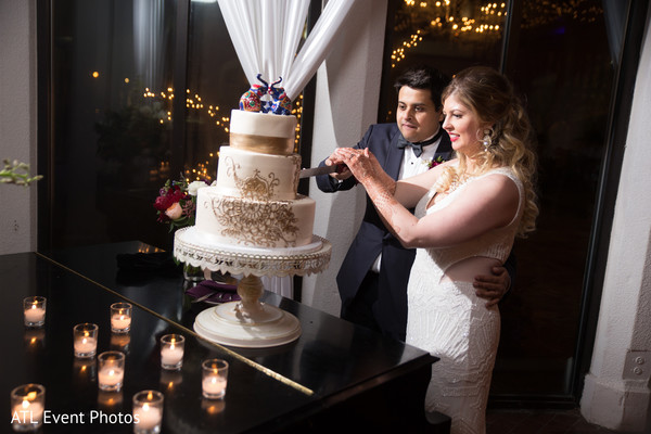 Cutting the Cake in Atlanta, GA South Indian Fusion Wedding by ATL Event Photos