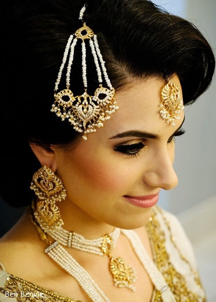 Getting Ready in Ontario, Canada Pakistani Fusion Wedding by Ben Benvie