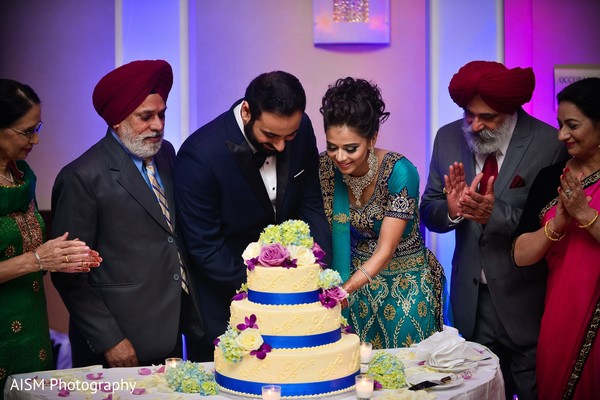 Cake cutting in Rockville, MD Sikh Wedding by AISM Photography