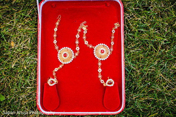 Bridal Jewelry in Chicago, IL Indian Wedding by Sapan Ahuja Photography