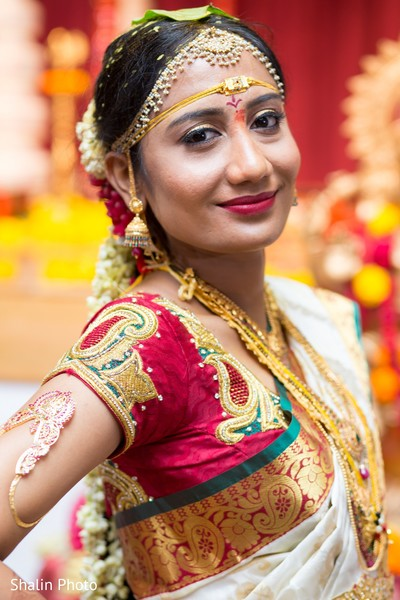 Chicago il south indian wedding by shalin photo maharani weddings south indian brideportrait of south indian bridesouth indian bridal portraitssouth junglespirit Images