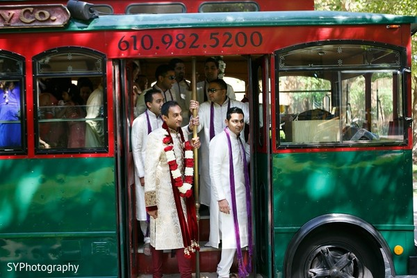 baraat,groom baraat,indian groom,indian groom baraat,baraat procession,baraat ceremony,indian bridegroom