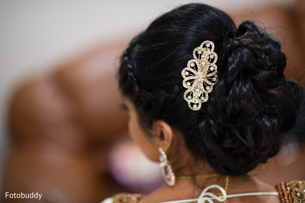 Hairstyle for Indian bride in Monmouth Junction, NJ South Asian Wedding by Fotobuddy Photography