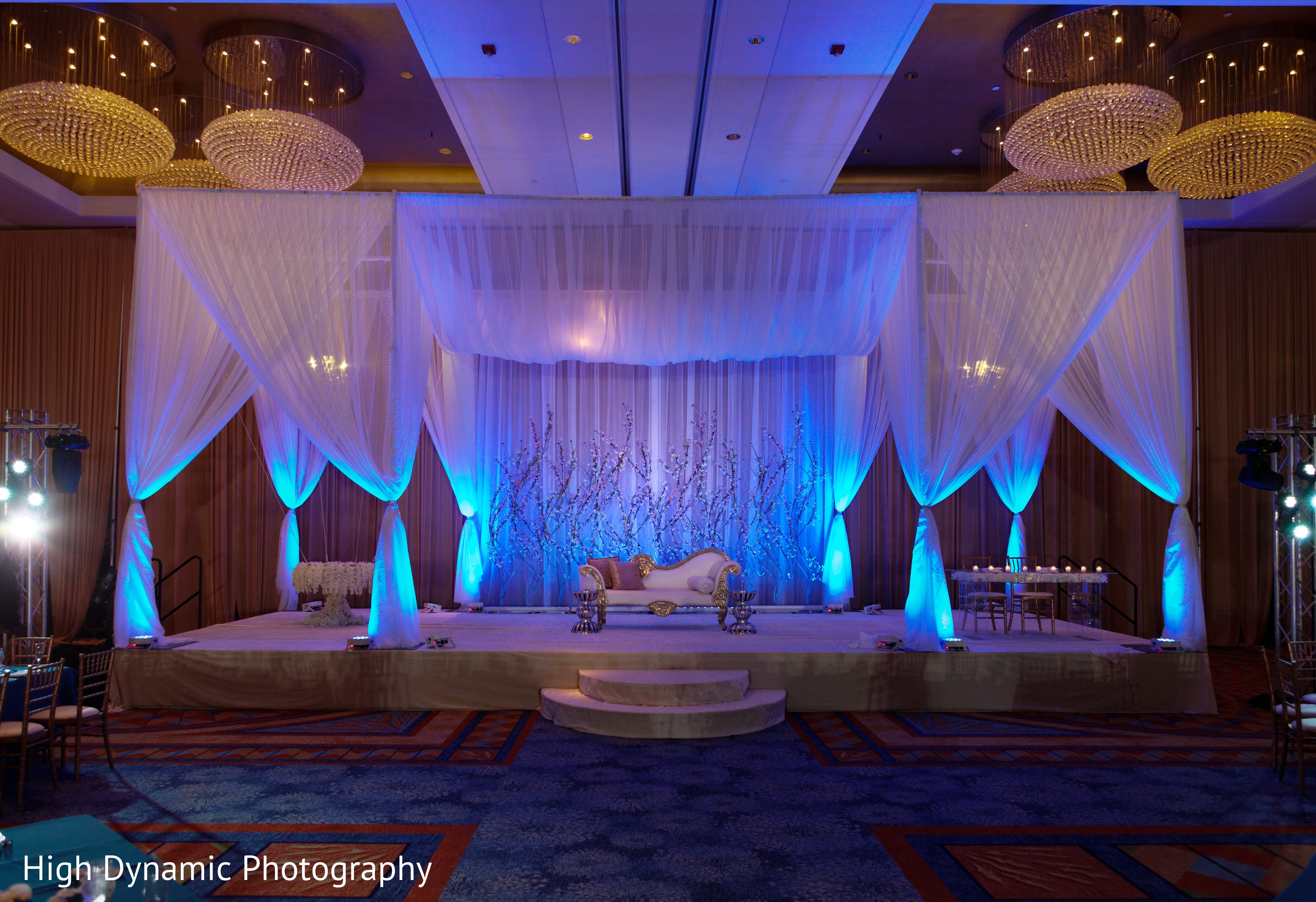 Sweetheart stage in schaumburg il south asian wedding by for Indian jewelry in schaumburg il