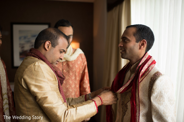 Getting ready in Cambridge, MA Indian Wedding by The Wedding Story