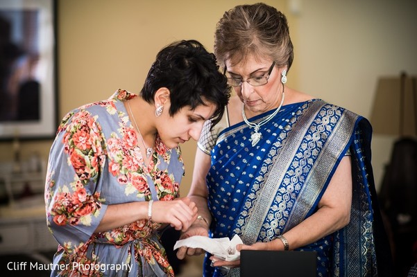 Getting Ready in Hamilton Township, NJ South Indian Fusion Wedding by Cliff Mautner Photography