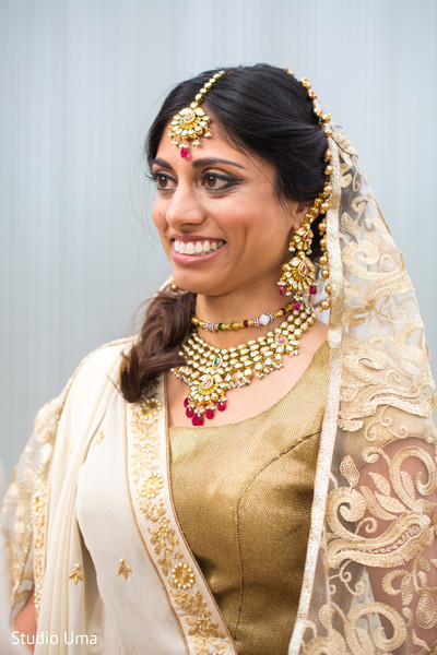 Bridal lengha details and bridal jewelry in Austin, TX Indian Fusion Wedding by Studio Uma