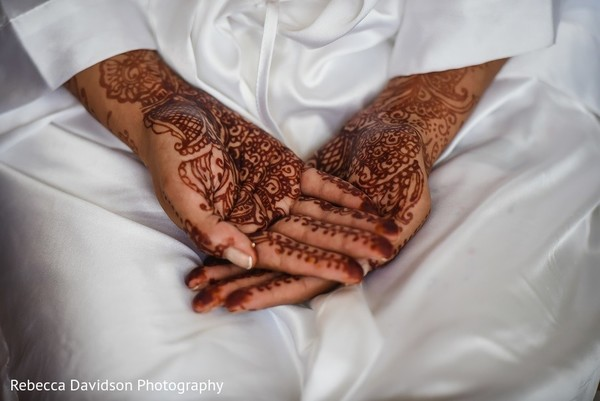 Mehndi in Cayman Islands Indian Destination Wedding by Rebecca Davidson Photography