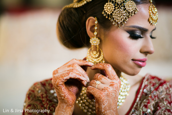 Indian bride getting ready in Glendale, CA Sikh Wedding by Lin & Jirsa Photography