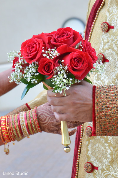 red bridal bouquet,red indian bridal bouquet,red indian bouquet,red indian wedding bouquet,red wedding bouquet,red bouquet for indian bride,red bouquet