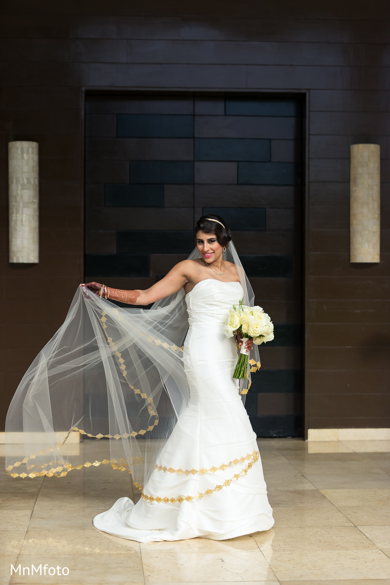 Excellent White Indian Wedding Gowns Ideas - Wedding and flowers ...