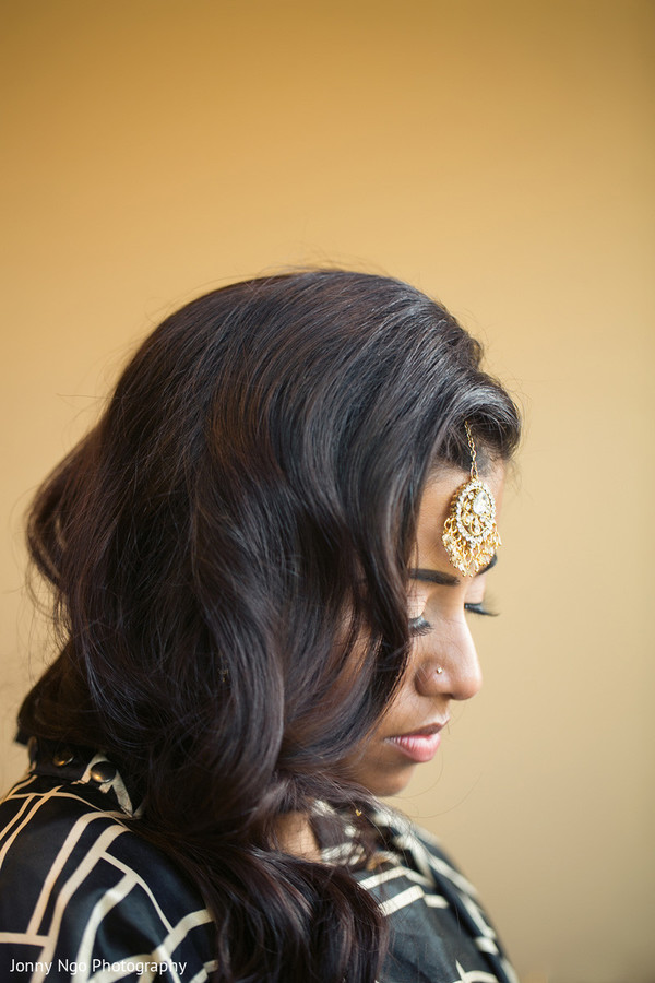 bride getting ready,indian bride getting ready,getting ready images,getting ready photography,getting ready,hair