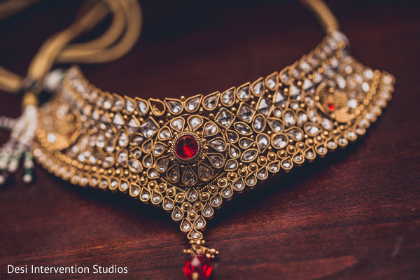 Indian wedding necklace in Selma, CA Sikh Wedding by Desi Intervention
