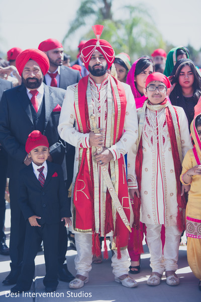 Sikh groom in Selma, CA Sikh Wedding by Desi Intervention