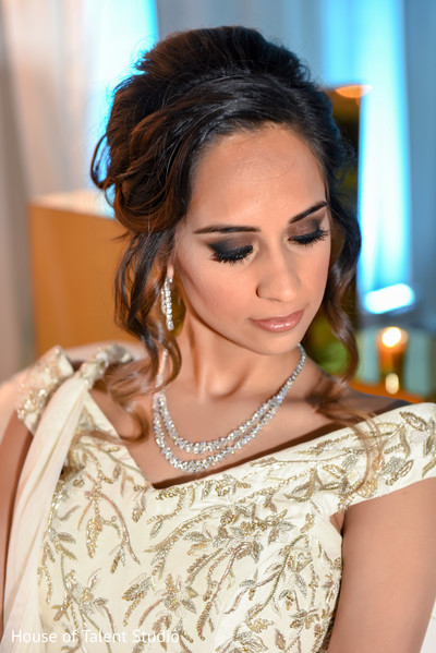 indian bride reception portrait