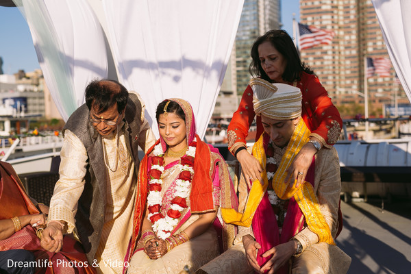 Indian wedding ceremony in New York, NY Indian Wedding by Dreamlife Photos & Video