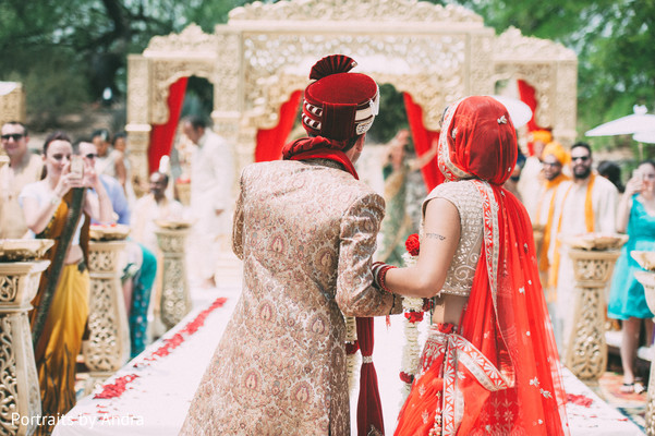 fusion wedding,indian fusion wedding,outdoor wedding,outdoor wedding ceremony,hindu wedding,hindu wedding ceremony,indian wedding,indian wedding ceremony
