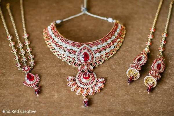jewelry,jewelry set,necklace,matha patti,tikka,gold jewelry set