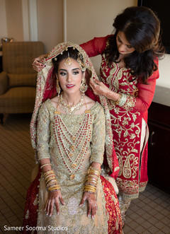 Bride Getting Readyindian Readygetting Ready Imagesgetting Photography