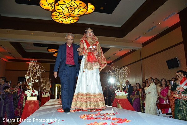 ceremony,indian wedding,indian wedding ceremony,hindu wedding,hindu wedding ceremony,hindu ceremony