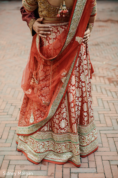first look,first look portraits,lengha