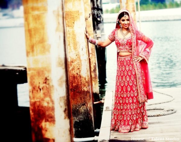 indian-wedding-bridal-lengha-portrait-red,Portraits
