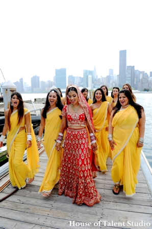 indian-wedding-bride-bridal-party-portrait-yellow,Portraits