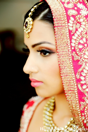 Bridal,Fashions,indian-wedding-bride-tikka-gold-pink