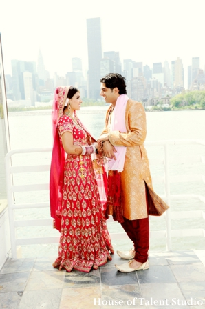 indian-wedding-couple-bride-groom-portrait-red,Portraits