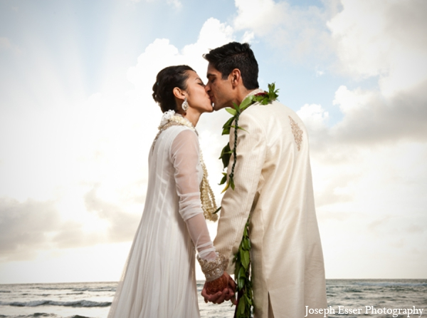 beach,clothing,hawaii,images,of,brides,and,grooms,indian,indian,bride,and,groom,indian,bride,groom,indian,bride,grooms,Joseph,Esser,Photography,outdoor,photos,of,brides,and,grooms,wedding