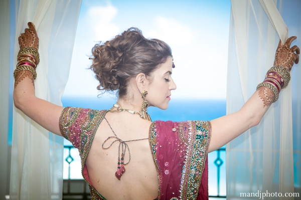 bridal,fashions,indian,bridal,dresses,indian,wedding,bridal,portrait,lenghas,M,&,J,Photography,traditional,indian,wedding,lengha