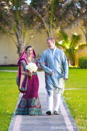 all,white,floral,bouquet,bridal,dresses,bridal,lenghas,bride,walks,down,aisle,indian,wedding,floral,bouquet,inspirations,for,bridal,lenghas,M,&,J,Photography,traditional,ceremony,customs
