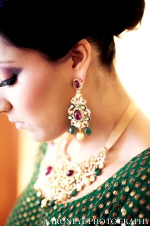 red,gold indian wedding jewelry,green,indian bridal jewelry,aaroneye photography,indian wedding jewelry,indian weddings,indian bridal hair and makeup,indian wedding clothes,indian bridal clothing