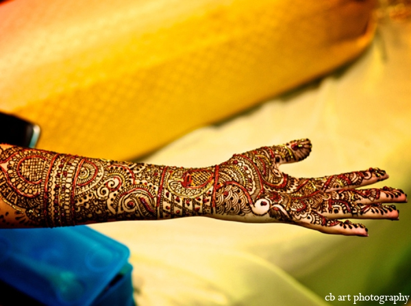 Indian wedding tradition mehndi red