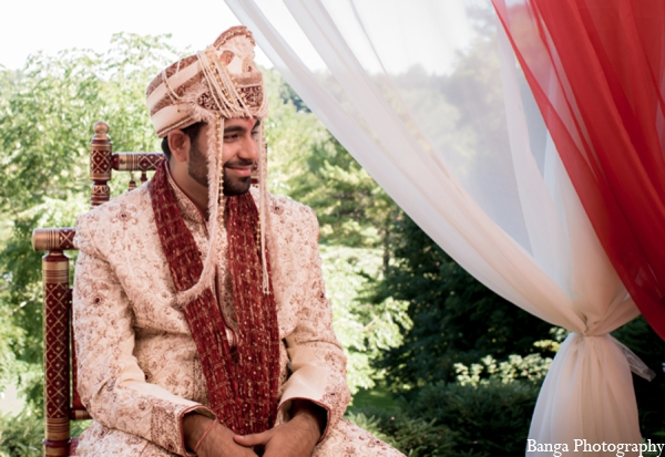 Indian wedding traditional groom outfit in Toronto, Ontario Indian Wedding by Banga Photography