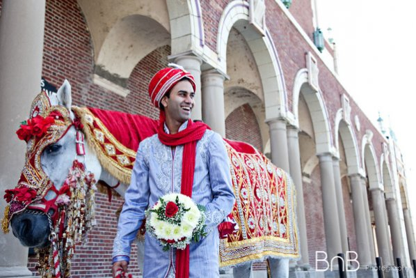 Indian-wedding-baraat-blue-red-white-horse-groom_0