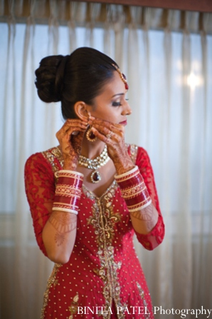 Indian wedding bride jewelry in Woburn, MA Indian Fusion Wedding by Binita Patel Photography