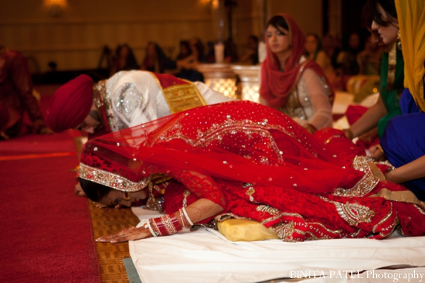 Featured Indian Weddings,red,gold,cream,white,ceremony,indian fusion wedding,BINITA PATEL Photography,hindu wedding customs,sikh wedding,Hindu Sikh Wedding,sikh hindu fusion wedding,sikh hindu wedding,hindu sikh fusion wedding,hindu wedding,sikh wedding traditons,sikh wedding customs,sikh wedding traditions and customs,hindu wedding traditions