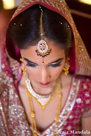 Indian-wedding-bride-beauty-shot-gold-tikka