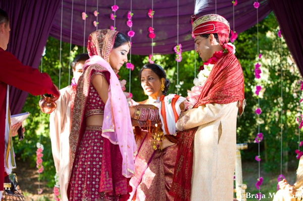 Indian-wedding-bride-groom-mandap-ceremony