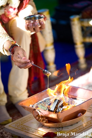 Indian-wedding-ceremony-fire-tradtional-rituals
