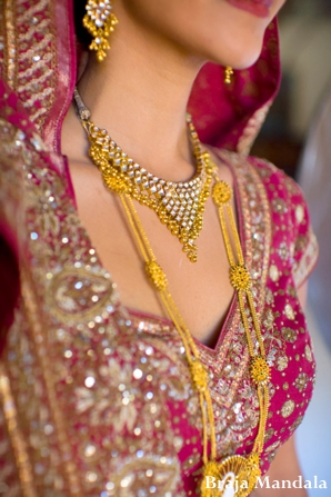 Indian-wedding-closeup-gold-lengha
