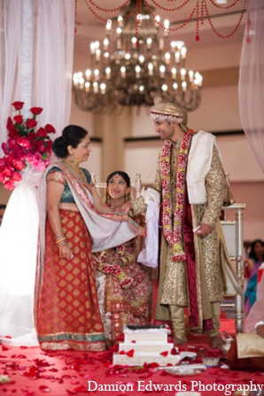 ceremony,traditional indian wedding,indian wedding traditions,indian wedding wear,Damion Edwards Photography,gujarati
