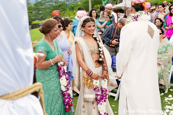 Indian Wedding Ceremony Bride Outdoor In Kailua Hawaii By Derek Wong Photography